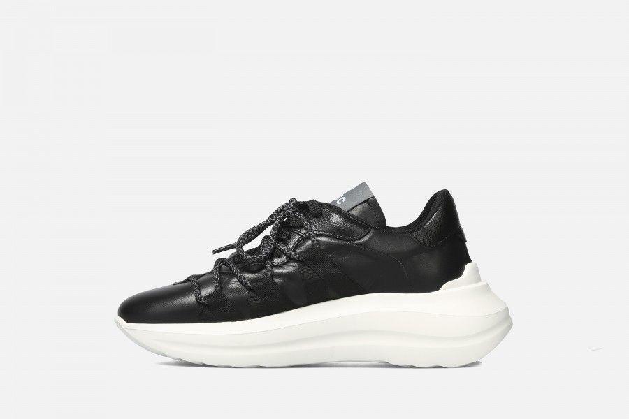 TYPE Sneakers - Black