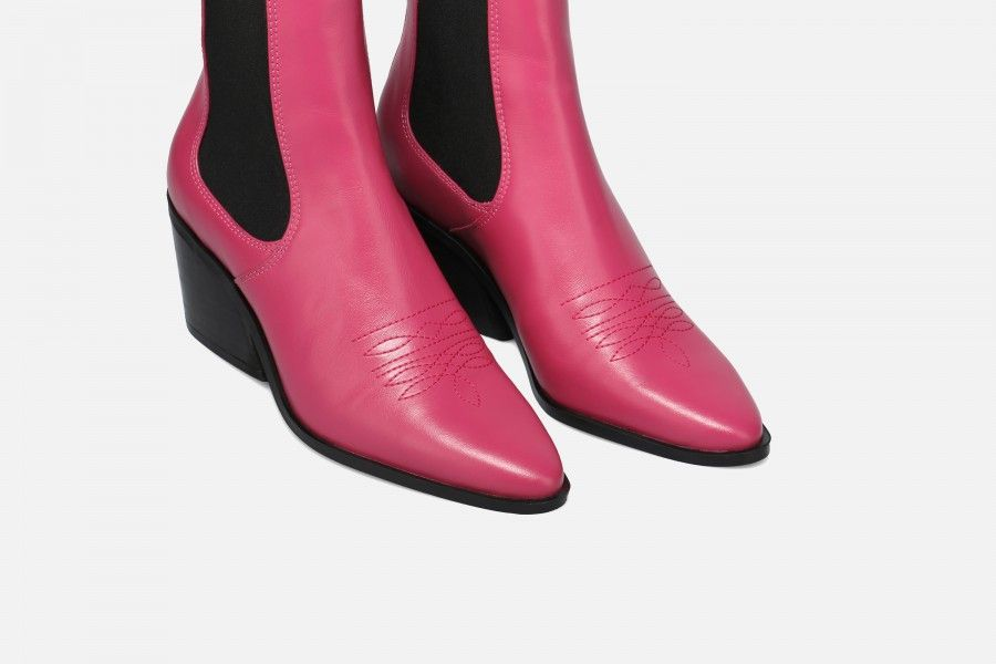ROUNDROULETTE Mid Heel Boots - Pink