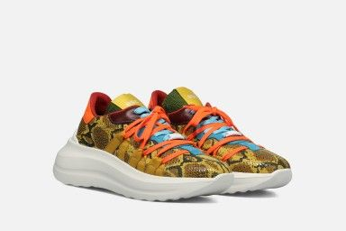 TYPE Sneakers