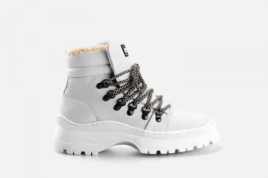 OLAF Boots - White