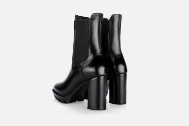 DEO High Heel Boots - Black