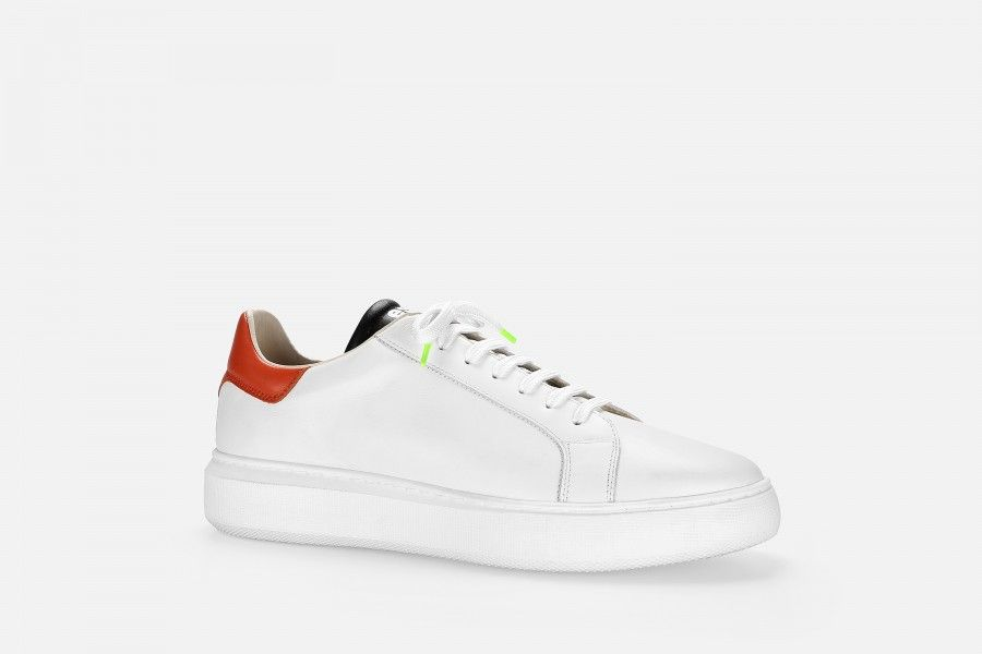 BOTWO Sneakers - White
