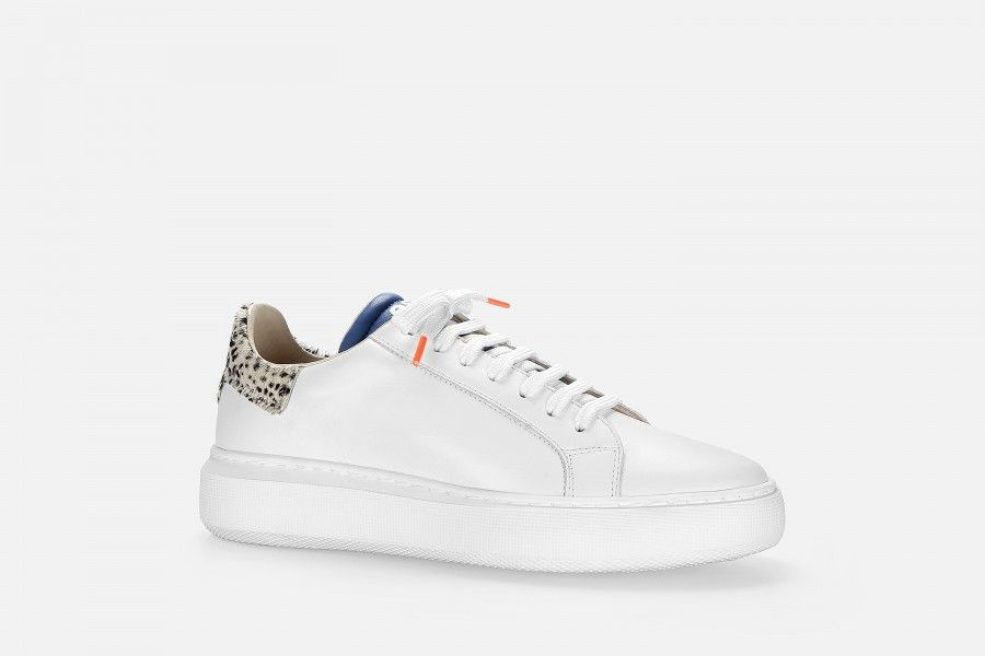 BOTWO Sneakers - White Others