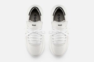 TROPHY Sneakers - White